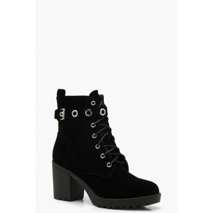 Lace Up Hiker Boots With Eyelets in Black