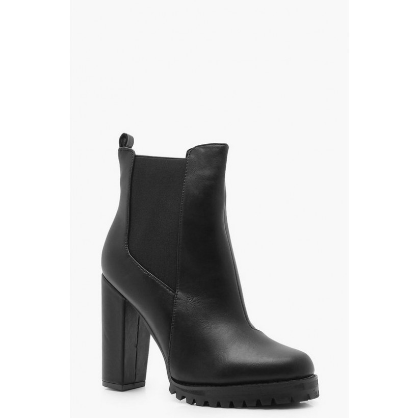 Cleated Platform Pull On Chelsea Boots in Black