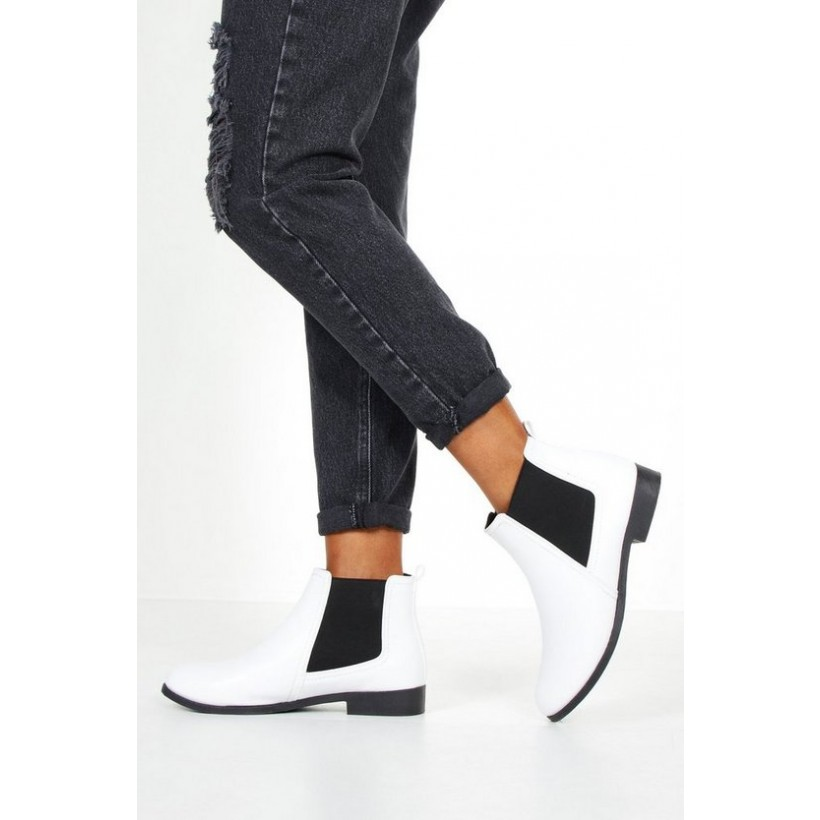 Elastic Panel Chelsea Boots in White