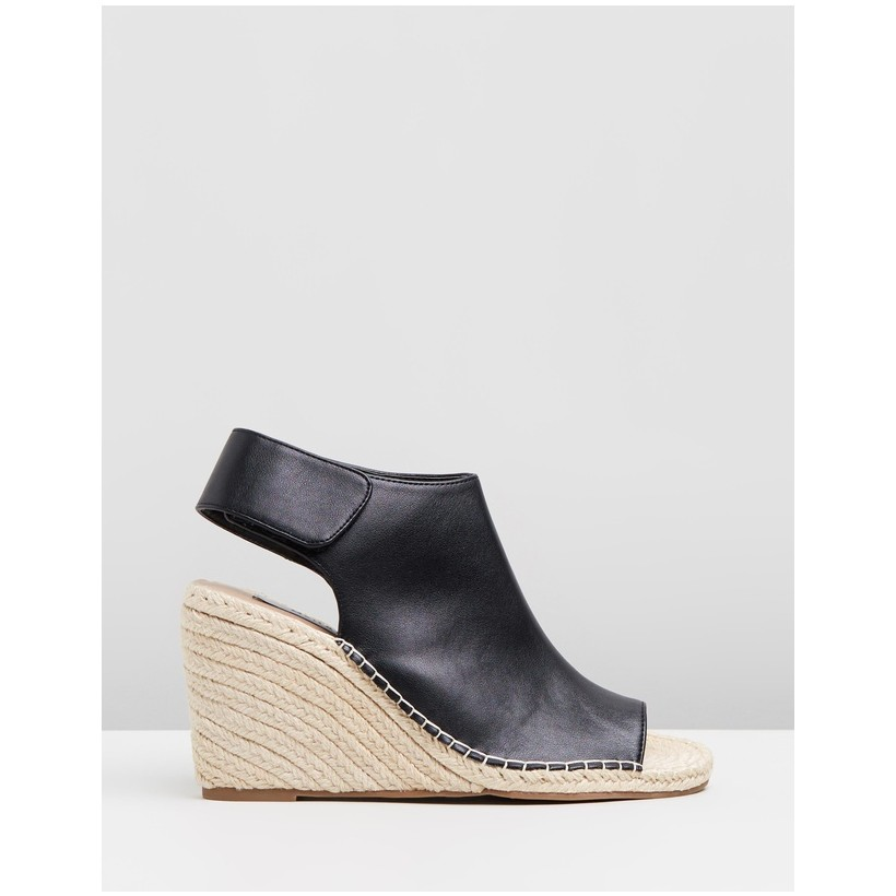 Acacia Wedges Black by Matt & Nat