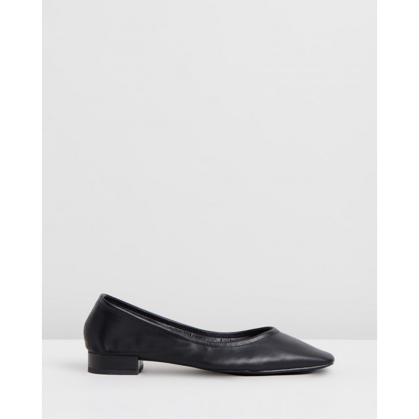 Adrianna Flats Black Smooth by Spurr
