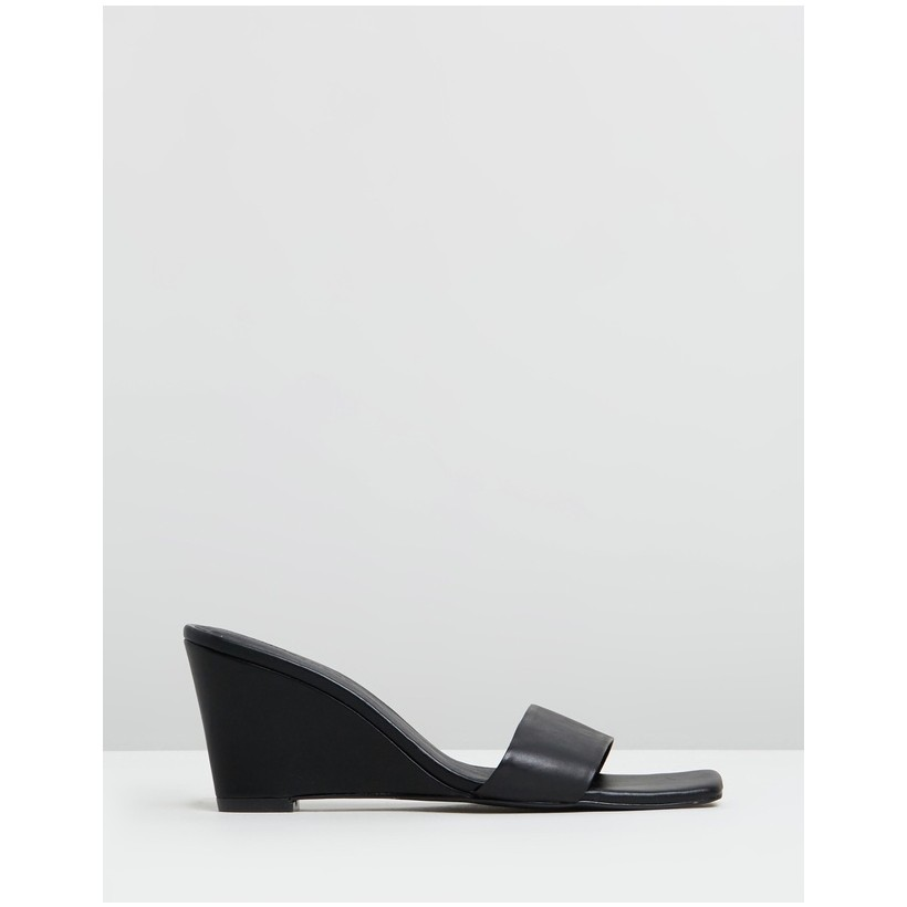 Alix Leather Wedges Black Leather by Atmos&Here