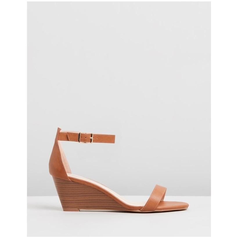 Blare Wedges Tan Smooth by Spurr