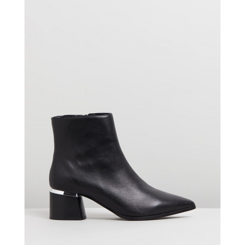 Cassio Ankle Boots Black Leather by Jo Mercer