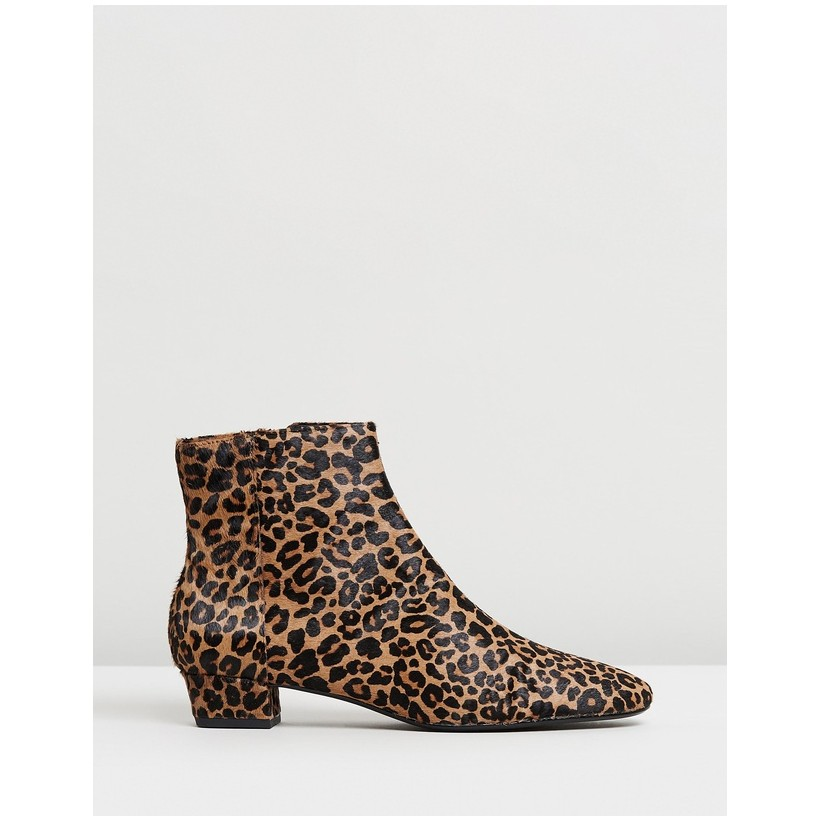 Chloe Ankle Boots Leopard by M.N.G