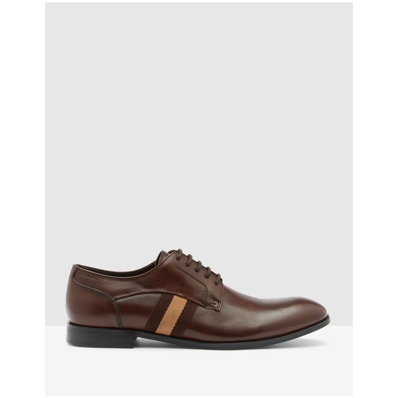 Eager Brown by Steve Madden