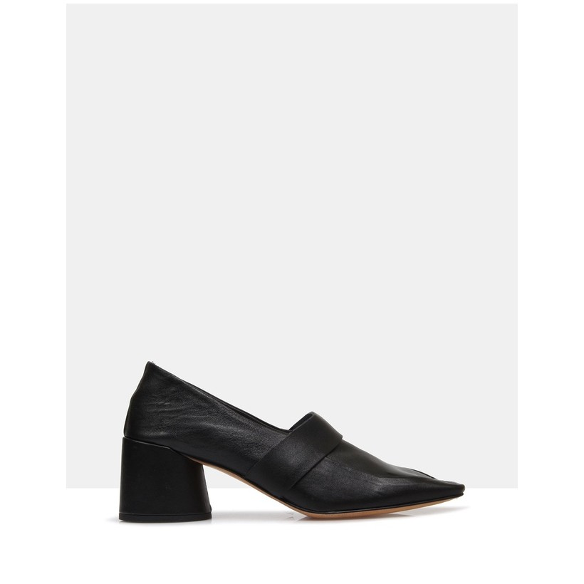Fawn Heeled Loafers Black by Beau Coops