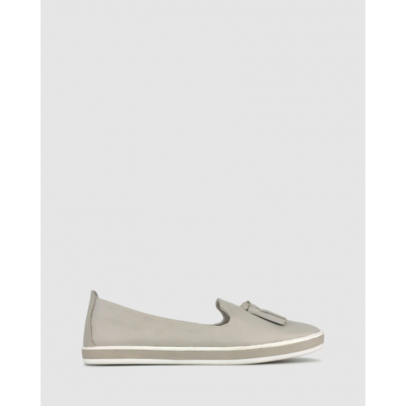 Gabble Slip On Leather Loafers Ivory by Airflex
