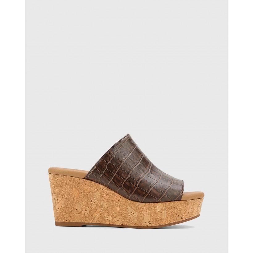 Hadleigh Leather Wedge Heels Brown by Wittner