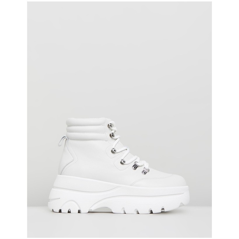 Husky White Leather by Steve Madden