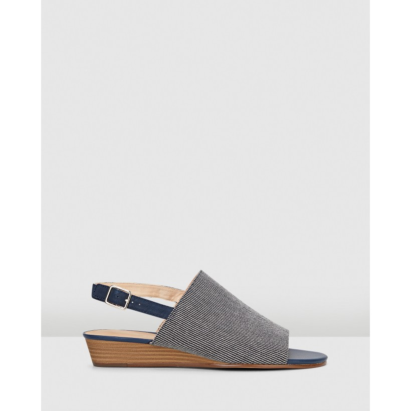 MENA LILY Navy Interest by Clarks