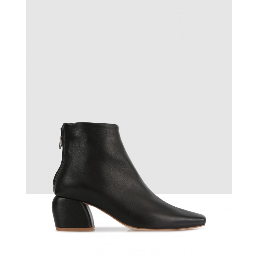 Pierre Ankle Boots Nero by Beau Coops