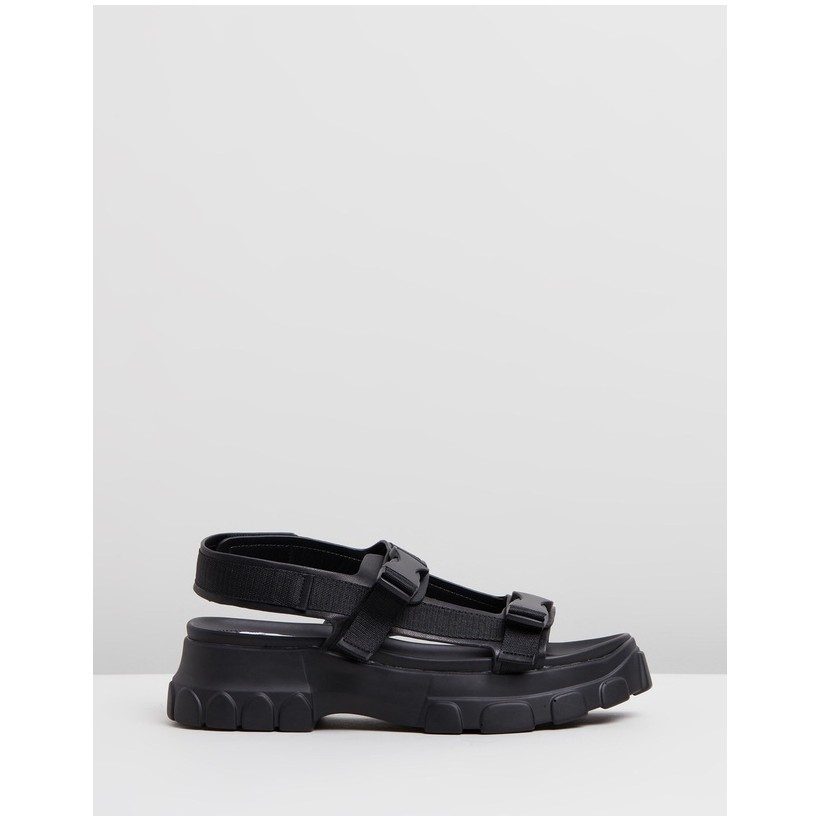 Syrell Flatform Sandals Black by Dazie