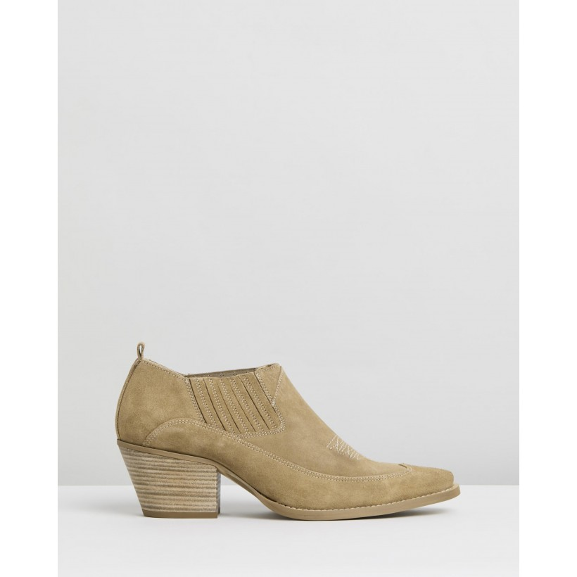 Tijuana Boots Medium Brown by M.N.G