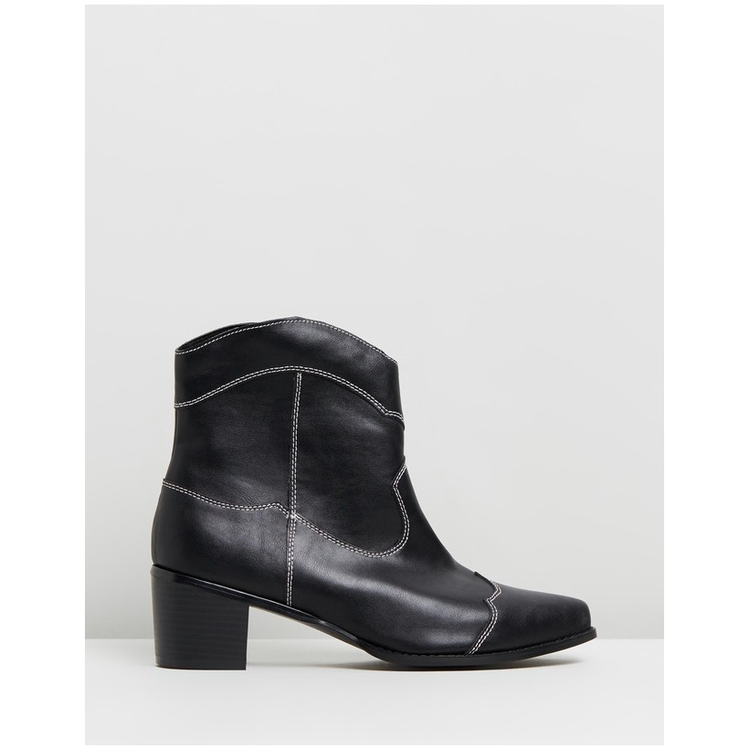 VEGAN - Nettle Ankle Boots Smooth Black & White by Atmos&Here
