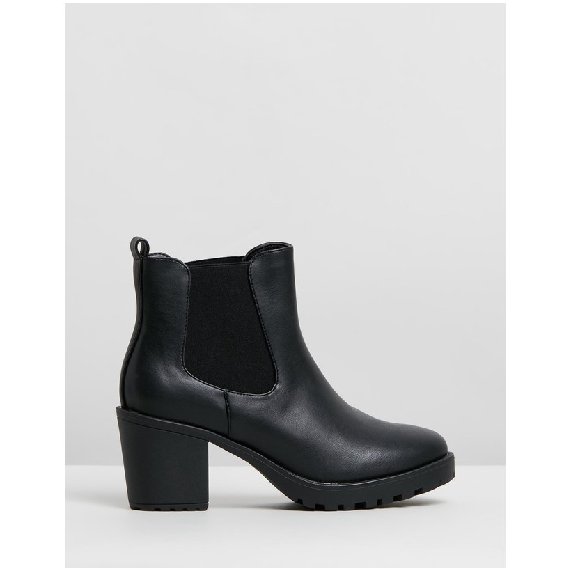 Violet Ankle Boots Black Smooth by Spurr