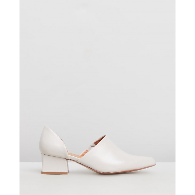 Cutout Loafers Cream by Jaggar The Label