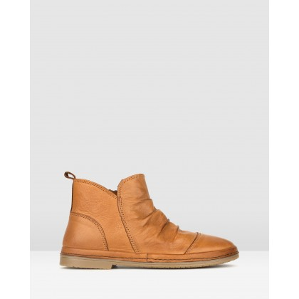 Logan Leather Ankle Boots Tan by Airflex