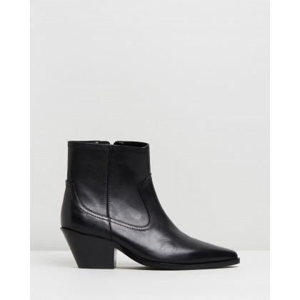 Overton Leather Ankle Boots Black Leather by Atmos&Here