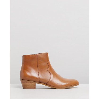 Arnleigh Leather Ankle Boots Tan Leather by Atmos&Here