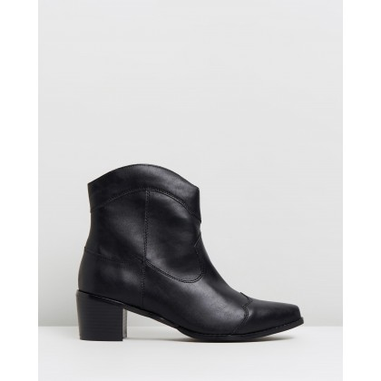 VEGAN - Nettle Ankle Boots Black Smooth by Atmos&Here