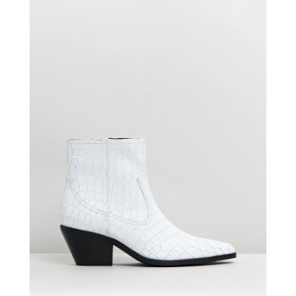 Overton Leather Ankle Boots White Croc by Atmos&Here