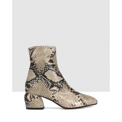 Anibelle Ankle Boots Beige by Beau Coops