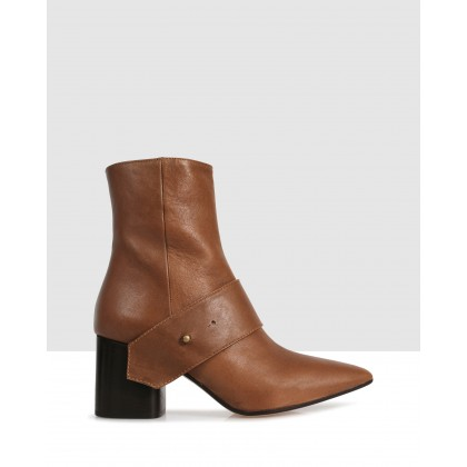 Albian Ankle Boots Brown by Beau Coops
