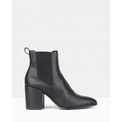 Coyote Chelsea Boots Black by Sol Sana