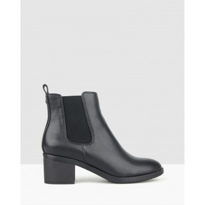 Lee Chelsea Ankle Boots Black by Betts