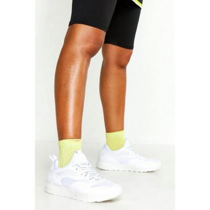Woman Printed Lace Sports Sneakers in White