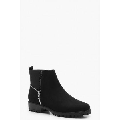Zip Trim Gusset Chelsea Boots in Black