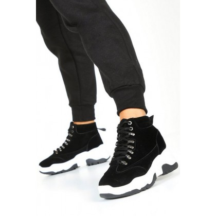 Chunky Sole Lace Up Hiker Trainers in Black