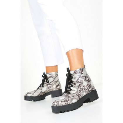 Snake Chunky Hiker Boots in Beige