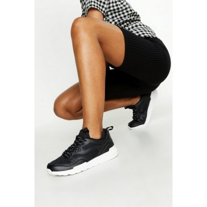 Woman Printed Lace Sports Sneakers in Black