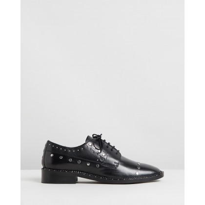 Noir Studded Leather Low Shoes Black by Bronx