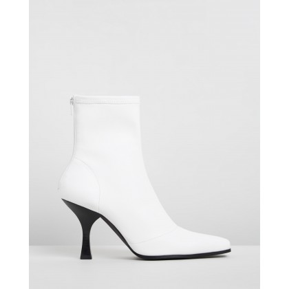 Vessa Ankle Boots White Smooth by Dazie