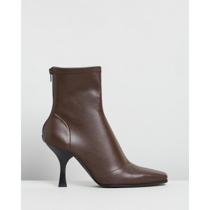 Vessa Ankle Boots Brown Smooth by Dazie