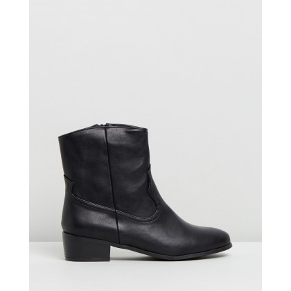 Dallas Ankle Boots Black by Dazie