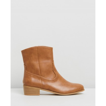 Dallas Ankle Boots Tan by Dazie