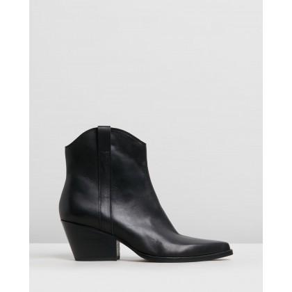 Serra Black Leather by Dolce Vita
