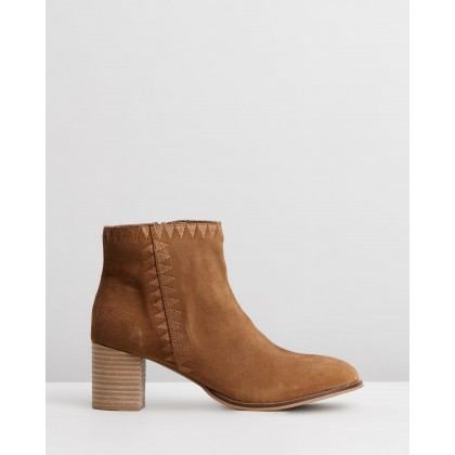 Dylan Boots Tan Suede by Human Premium
