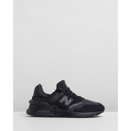 997 - Men's Triple Black by New Balance Classics