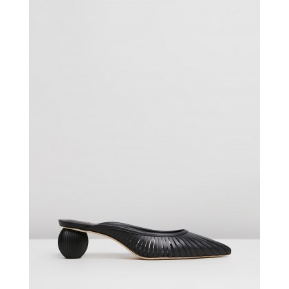 Alia Mules Black by Cult Gaia