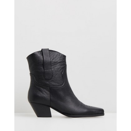 Allister Boots Black by Sol Sana