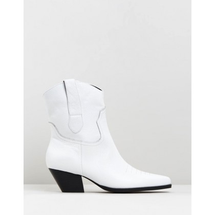 Allister Boots White Tumbled by Sol Sana