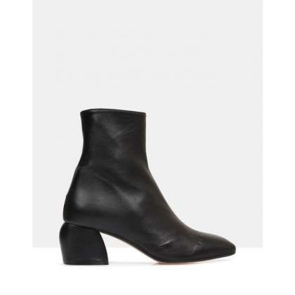 Anibelle Ankle Boots BLACK by Beau Coops
