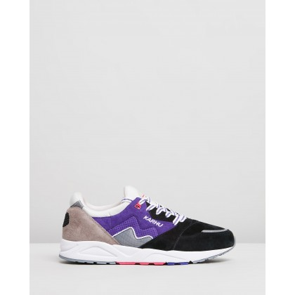 Aria - Men's Opal Gray & Liberty by Karhu