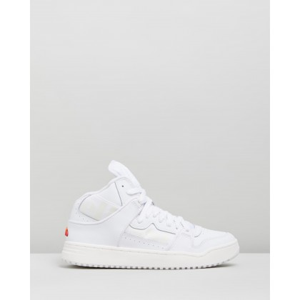 Assist Hi White & Off-White by Ellesse
