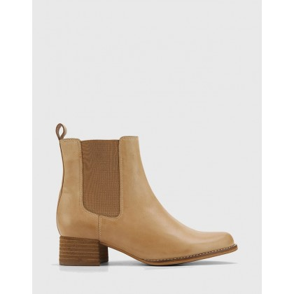 Baelans Camel Leather Block Heel Chelsea Ankle Boots Tan by Wittner